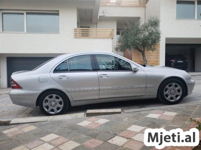 Mercedez Benz C220 look 2005